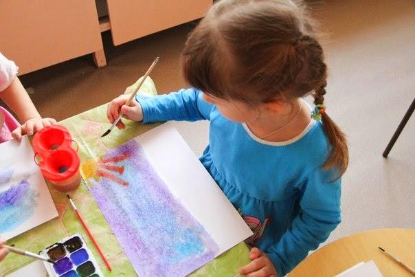 Как научить ребенка рисовать поэтапно с помощью красок